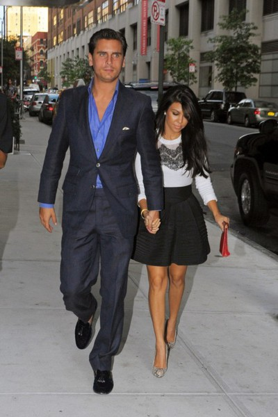 Kourtney Kardashian S Classic Style Say Yes To Happy
