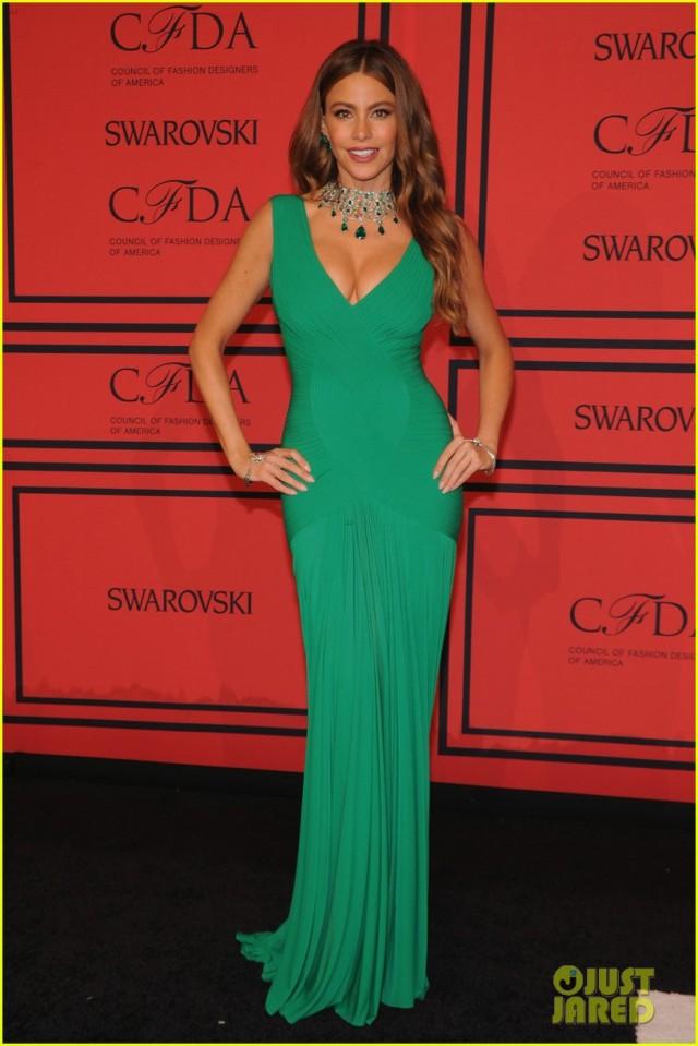kerry-washington-sofia-vergara-cfda-fashion-awards-2013-01