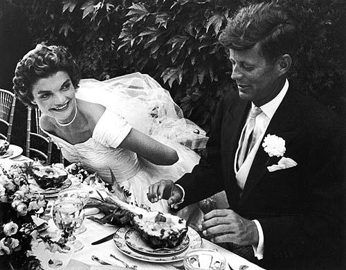 Jackie-Kennedy-and-JFK-celebrity-weddings-31046607-500-390