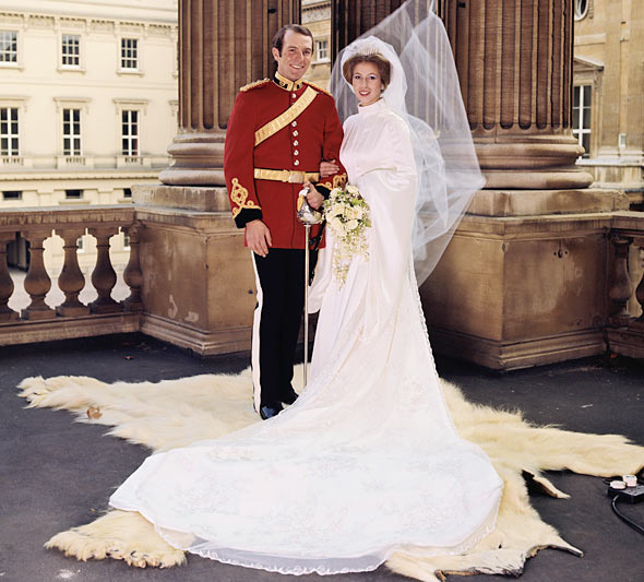 princess-anne-wedding-portrait-1973-590bes121610